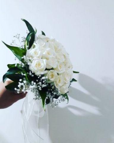 30 adet gülden gelin el çiçegi
