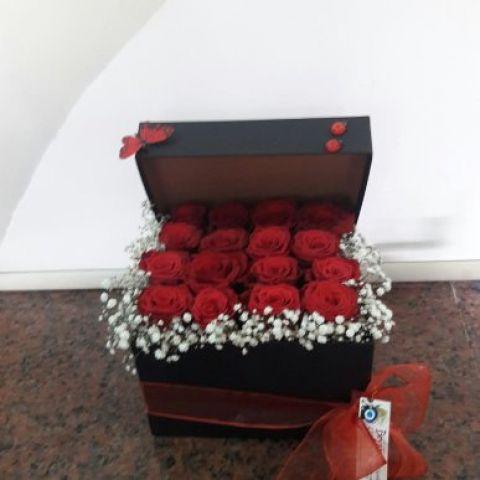 kutu 16 adet gül